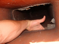 Gap in fireplace flue