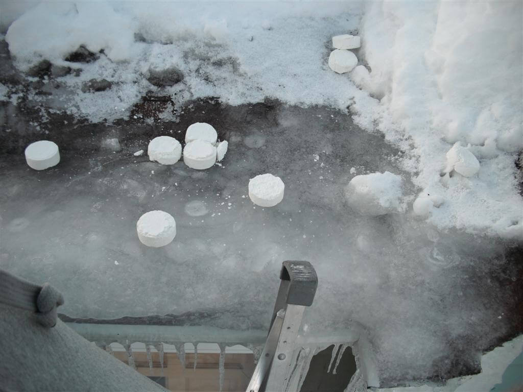 How to melt an ice dam on your roof or gutter - Damn Ice ...