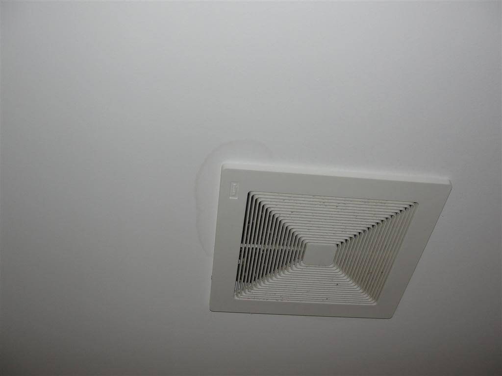 Bathroom ceiling mildew - Ceiling Stain Bath Fan