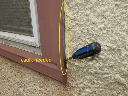 Gap in caulk