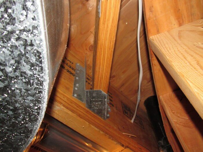 Interior - wrong joist hanger
