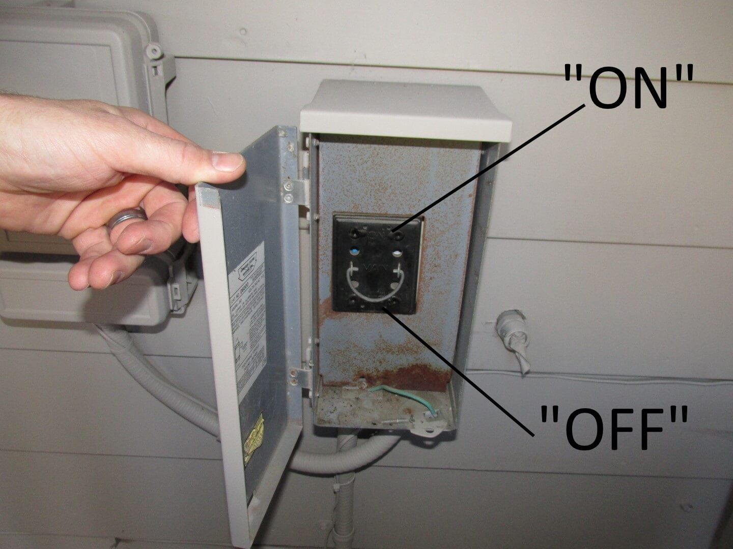 AC Pullout Block on and off how to inspect your own house, part 9 the air conditioner fuse box pull out at gsmx.co