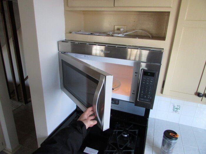 Microwave won't open